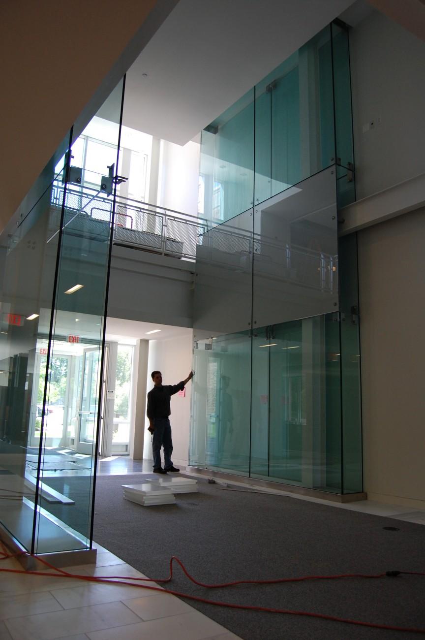 Avid Technologies Galaxy Glass Amp Aluminum